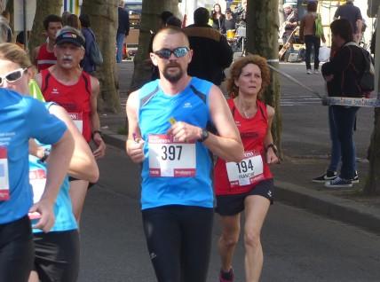Francine et Bernard dans la course